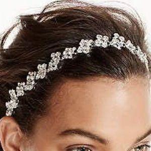 NWT DAVIDS BRIDAL Scattered Crystal Headband